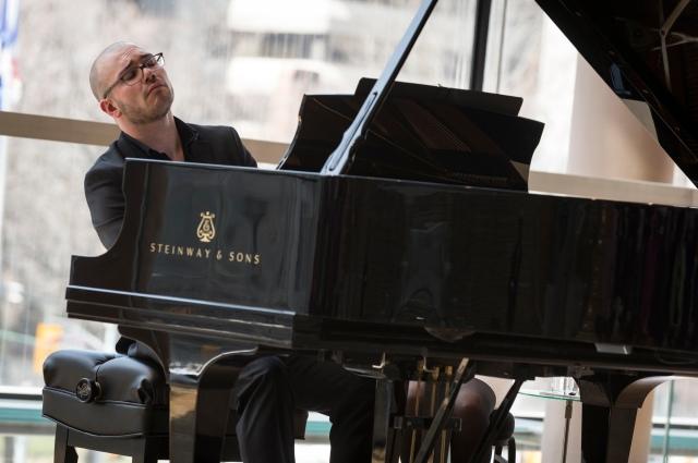 Pianist Topher Mokrzewski (photo: Chris Hutcheson)