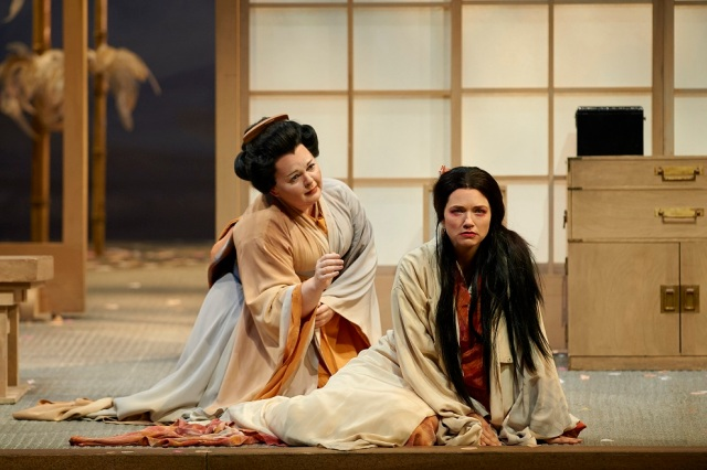 (l-r) Elizabeth DeShong as Suzuki and Kelly Kaduce as Cio-Cio San in the Canadian Opera Company production of Madama Butterfly, 2014. Photo: Michael Cooper