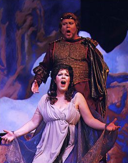 Wendy Nielsen as Ariadne in Calgary Opera's  2009  production of Strauss's Ariadne auf Naxos with Richard Margison as Bacchus (Photo: Trudie Lee)