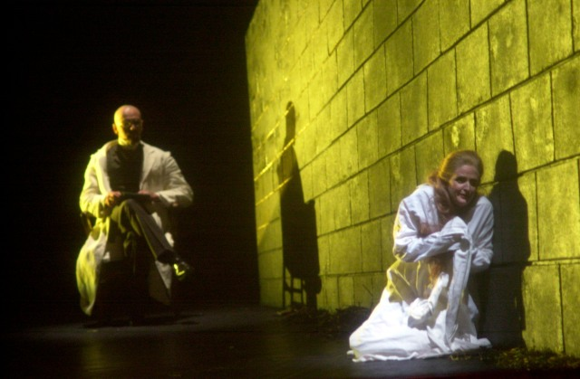 Mark Johnson as the Psychiatrist and Nina Warren as the Woman from 2001 COC production of Erwartung, photo by Michael Cooper.  Click for further information about the current production.