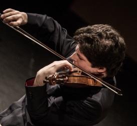 Violinist Augustin Hadelich (photo: Luca Valenta)