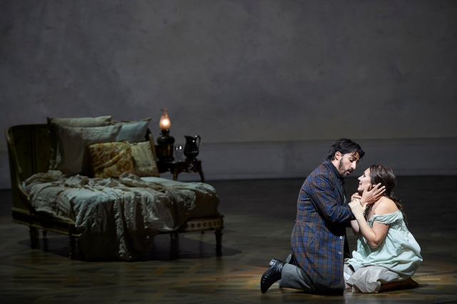 Charles Castronovo as Alfredo and Ekaterina Siurina as Violetta (Photo: Michael Cooper)