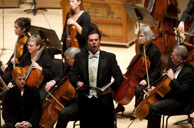 John Relyea performing Messiah with the TSO in the Toronto premiere of Sir Andrew Davis's orchestration in 2010 (Photo: John Loper) Francine